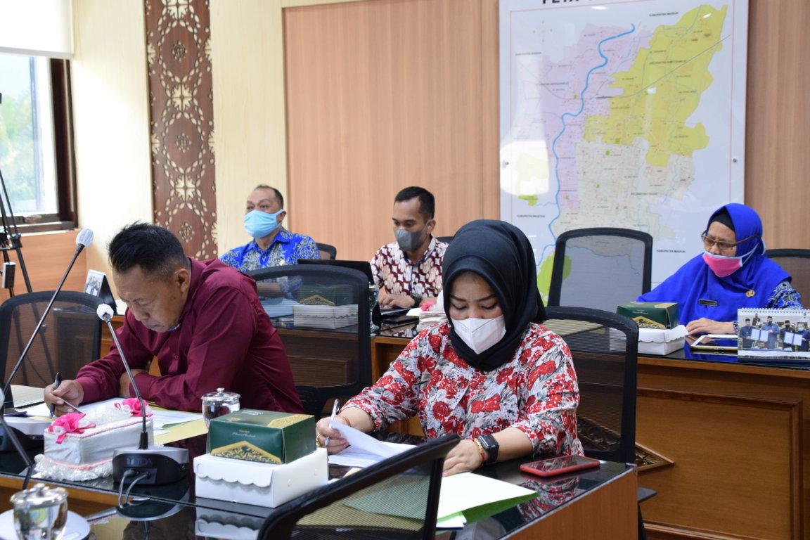 RAPAT DENGAR PENDAPAT KOMISI III DPRD TERKAIT CAPAIAN KINERJA/PENYERAPAN ANGGARAN TAHUN 2021